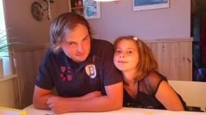 Jesper med lillasyster Linnea, mina solstrålar!